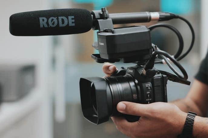 Richtmikrofon auf Kamera