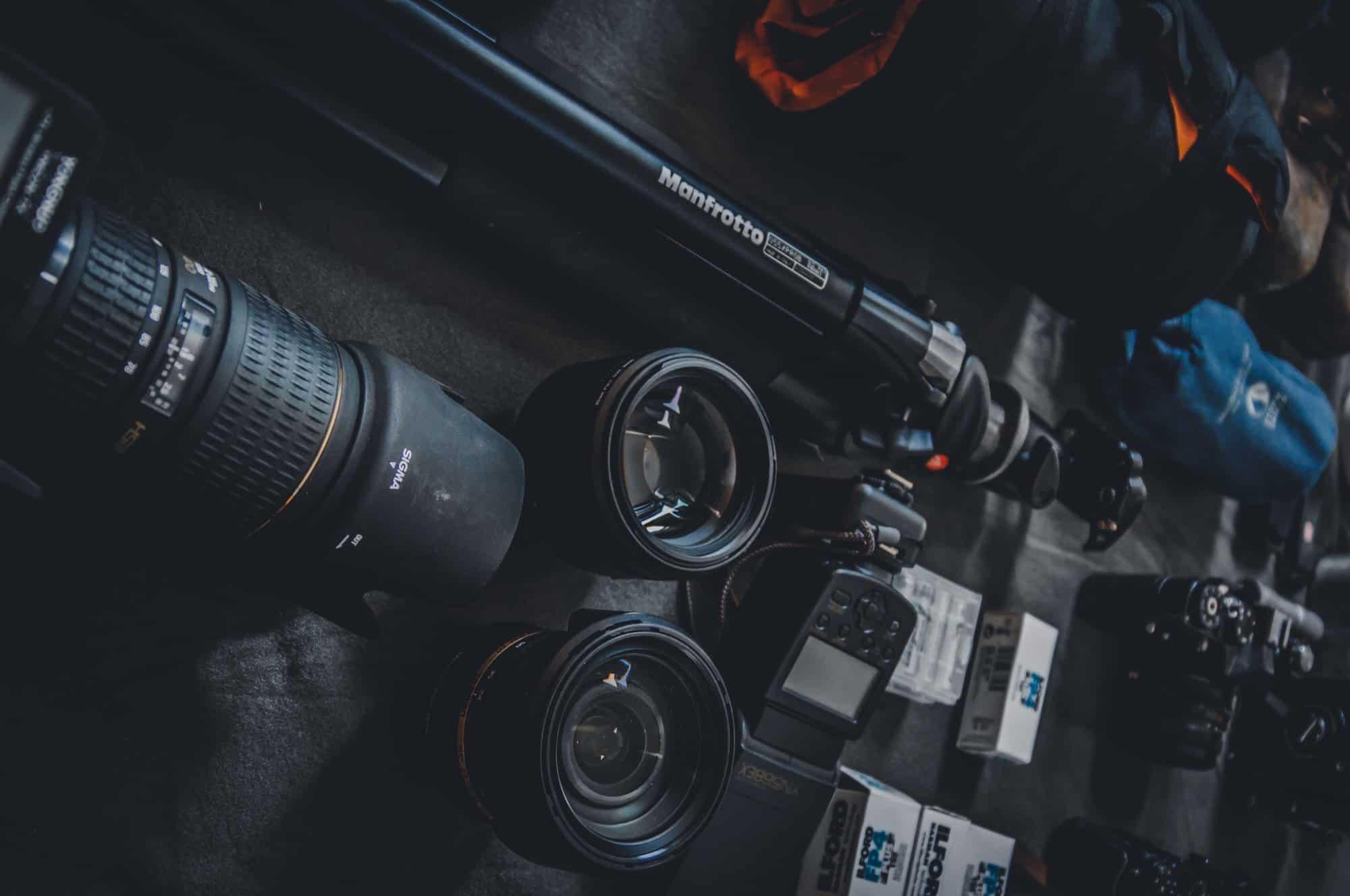 Kamera, Stativ und Objektive